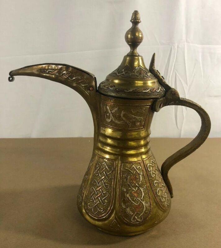 ANTIQUE ISLAMIC ARABIC OMAN PERSIAN BRASS COFFEE POT DALLAH UNIQUE C13