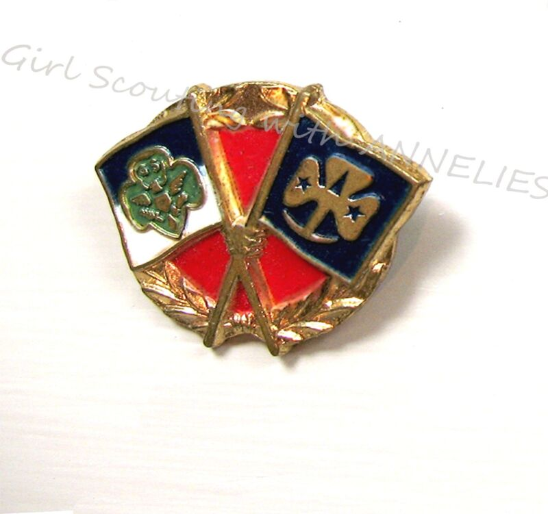 1950s Official Girl Scouts Friendship PIN GSUSA & WAGGGS Flags COLLECTOR GIFT