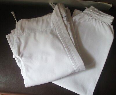 Macho White Uniform size 1 Martial Arts Taekwondo Karate Student Jacket Pants ()