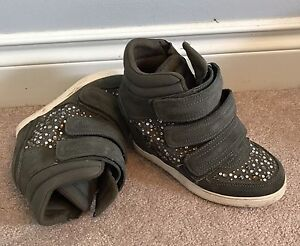 Size 6 Aldo Shoes, Very Lightly Used