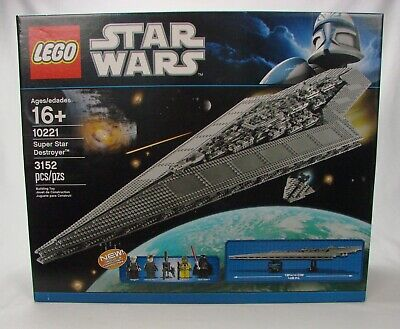 "LEGO ~ UCS~ Star Wars #10221 ~ ""Super Star Destroyer"" ~ 3152 pcs (2011) ~ NISB ."
