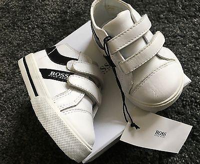 NEW - Hugo Boss baby boy leather trainers Size Eu 18/ U.K. 2 / 6-9 months