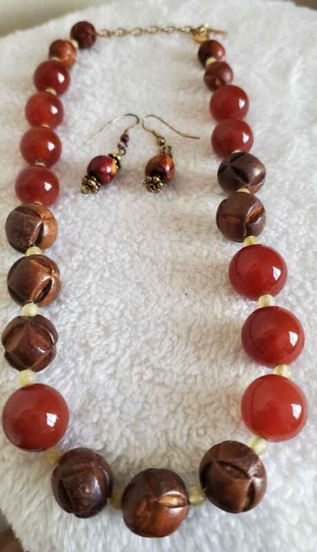 """Monet Necklace ~ Chunky wood & glass beads & Earrings - Brown, Reds, 18"""""""