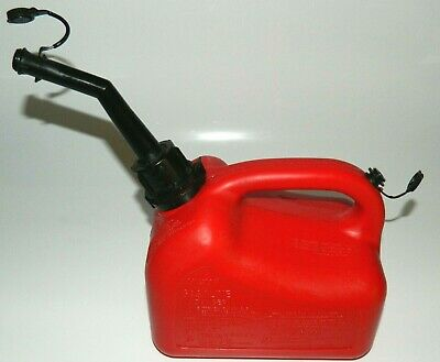 Vintage Red Plastic 1 Gallon Gas Can Model 42231 Chilton Usa