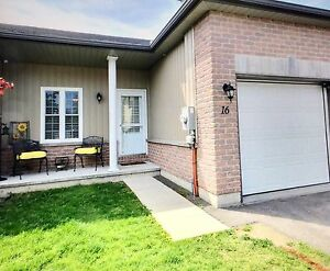 TOWNHOUSE CONDOMINIUM on Rosemary Court in Picton Ontario
