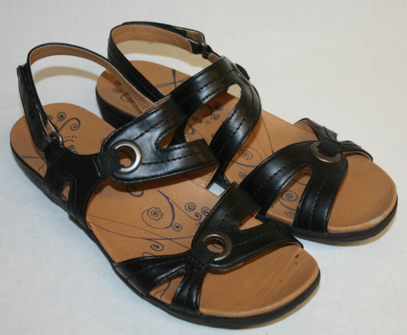 Bare Traps Womens Ladies Black Sandals Shoes Size 8M