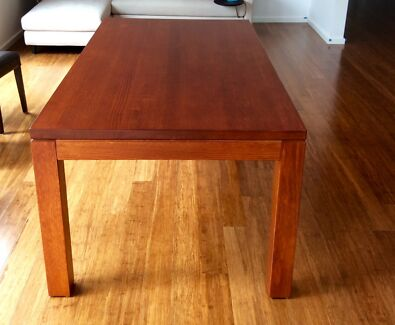 Vic Ash Solid Wood Dinning Table