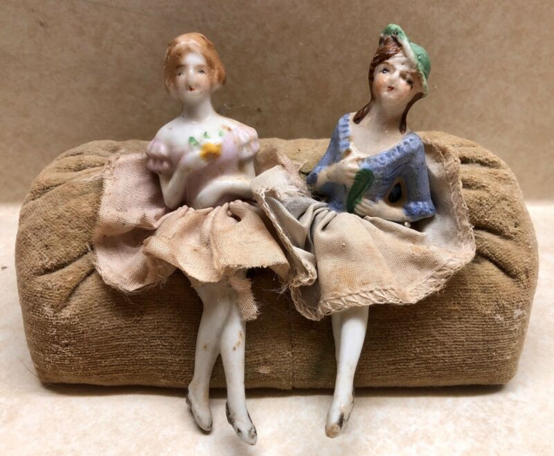 VINTAGE GERMAN JAPAN HALF DOLL LADIES * PORCELAIN SET ON COUCH * PIN CUSHION