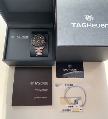 TAG HEUER FORMULA 1 BLACK DIAL WITH BOX, Manual And Card. MINT CONDITION!!