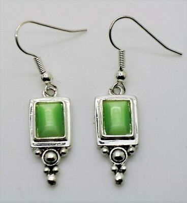 A153 Unique silver Plated green cat eye color Dangle Fish Hook Fashion Earring