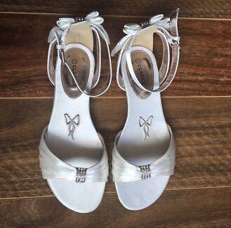 Wedding Deb Shoes 75 BNIB