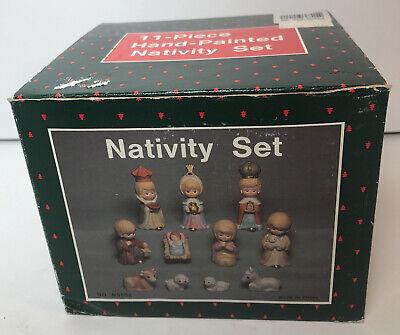 VTg MINIATURE CHILDREN'S 11 PIECE CHRISTMAS PORCELAIN HAND PAINTED NATIVITY SET