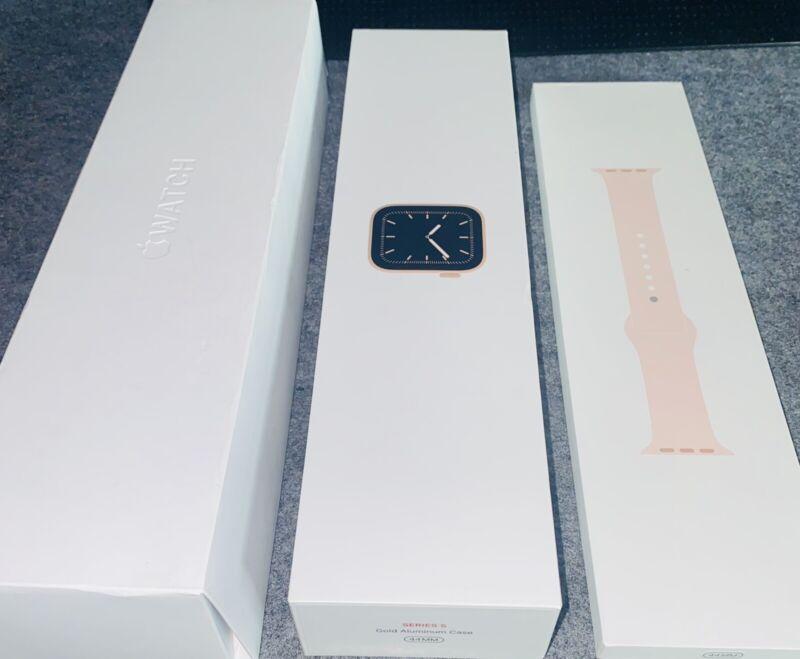 Apple Watch Series 5 MWW02LL/A  44mm Smartwatch -Gold Alu Pink Sand Band-BOX