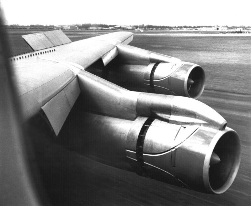 "American Airlines Boeing 707 ((8.5""x11"")) Print"