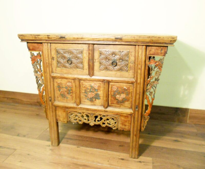 """Antique Chinese """"Butterfly"""" Cabinet (5715), Circa 1800-1849"""