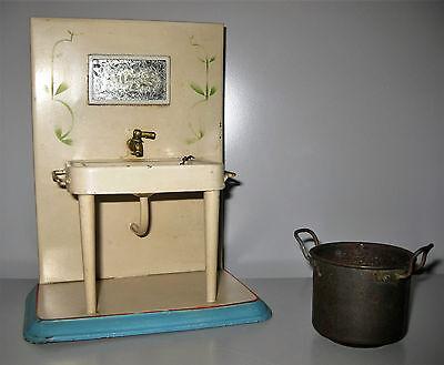 altes Waschbecken u. Kochtopf aus Blech Puppenhaus Puppenstube Konvolut vor 1945