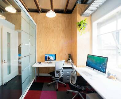 Office and desk spaces in Creative Rosebery co-work warehouse