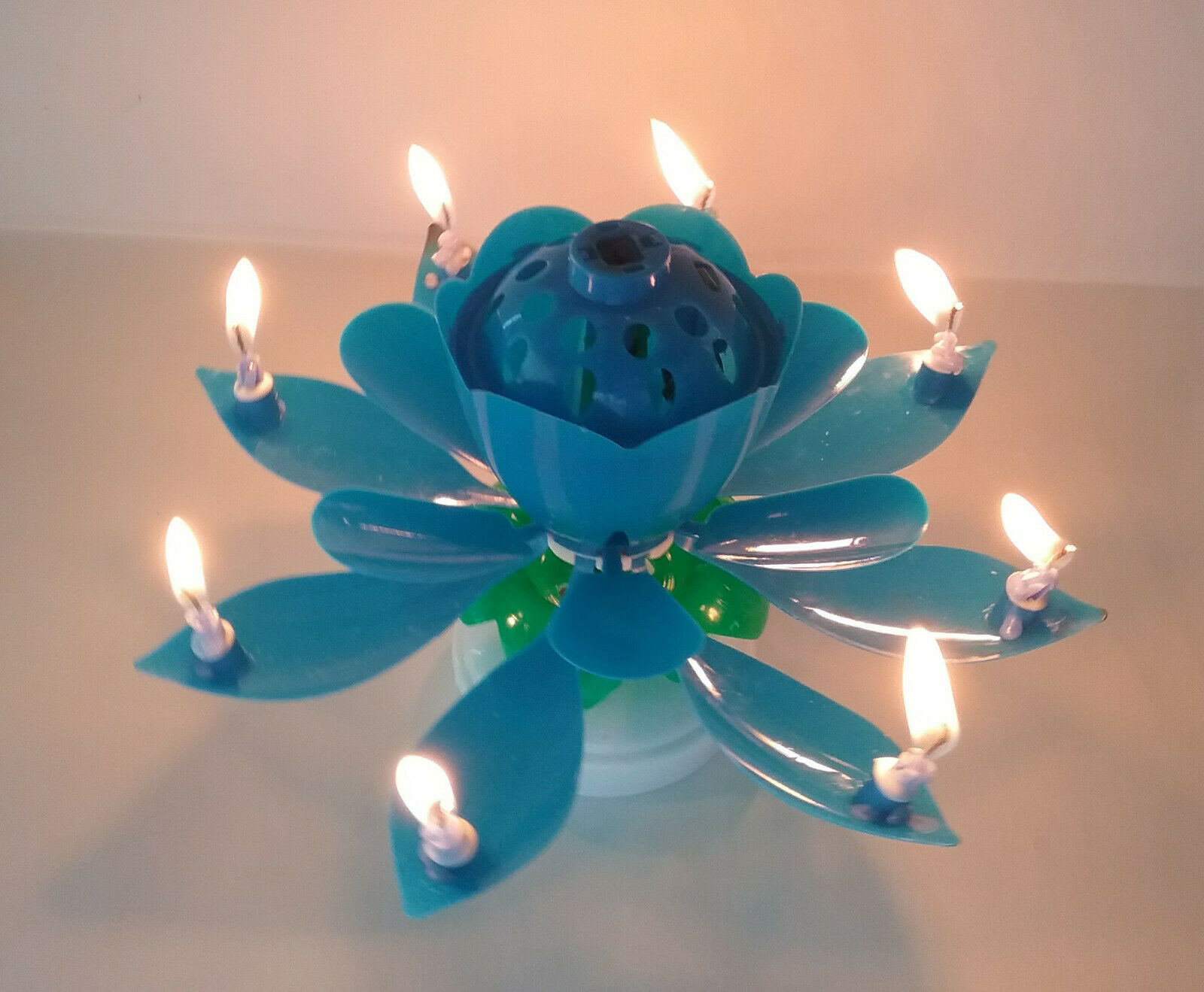 BLUE Amazing Lotus Flower Musical Birthday Candle
