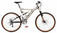 2 high end bikes mongoose nx9.5 and devinci chilli pepper