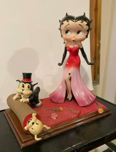 King Features Syndicates Porcelain  Figurine Red Carpet Betty Boop