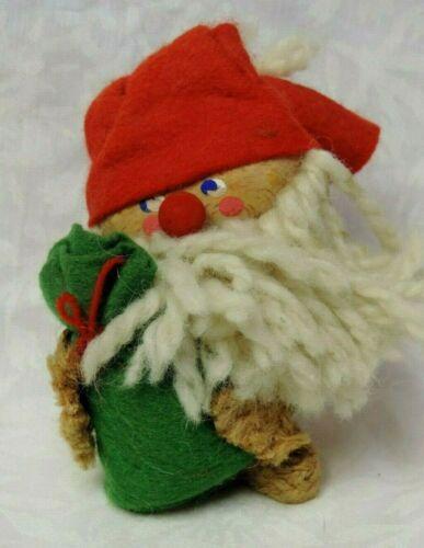 VINTAGE CHRISTMAS HOLLINE WOOD SANTA FIGURINE HAND MADE IN DENMARK 1960