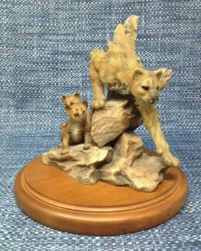 Maternal Refuge Mill Creek Studios 4052 Cougar and Cubs Sculpture Signed