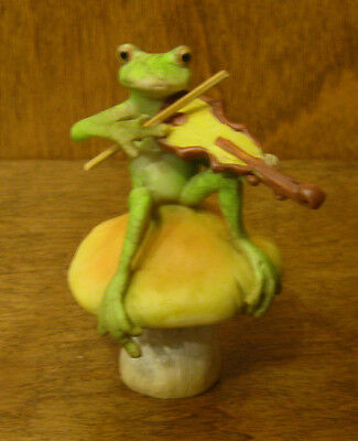 Top Collection Enchanted Story Fairy Garden #4010 FROG PLAYING - Fairy Violin