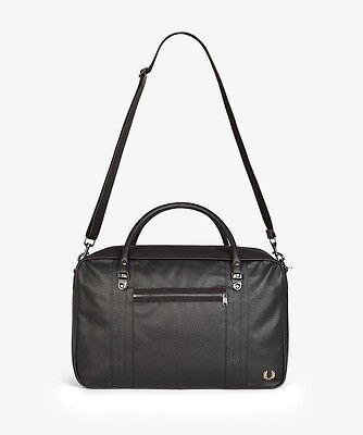 Not a man bag, a holdall!