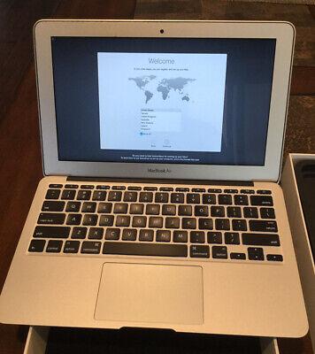 Apple MacBook Air 11 laptop