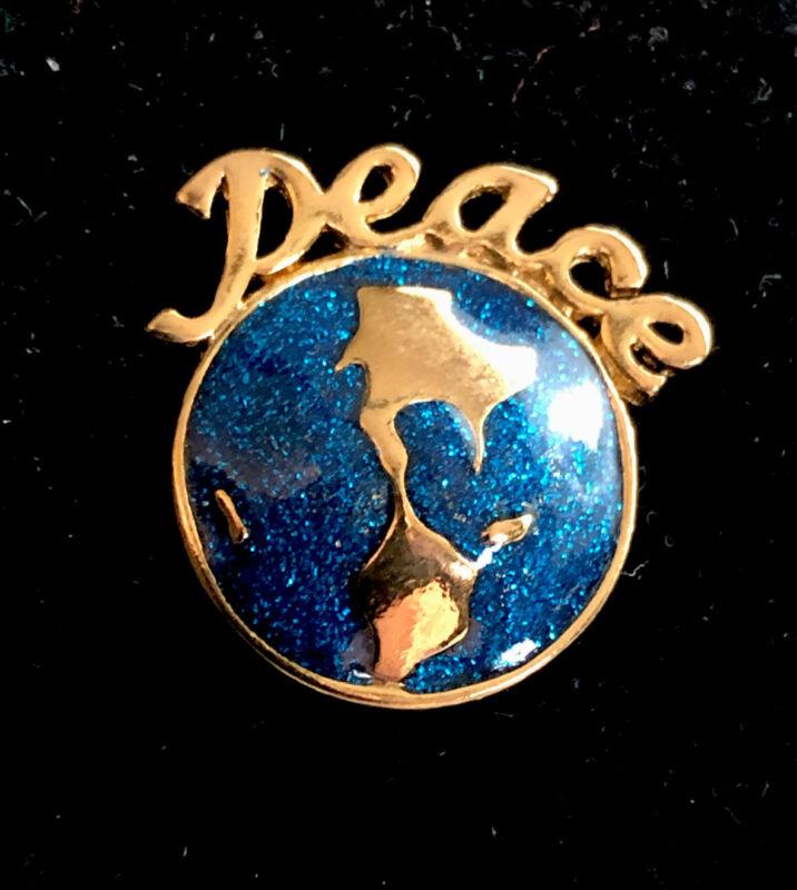 VINTAGE & RARE AVON PEACE ON EARTH PIN IN ORIGINAL BOX