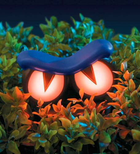 REFURBISHED Haunted ANIMATED Hedge Spooky Eyes Halloween Shakes Light Up Growls
