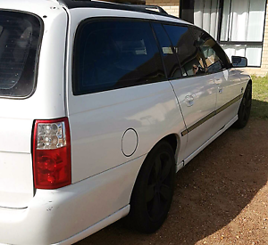 2004 vz commodore station wagon on gas Forrestfield Kalamunda Area Preview