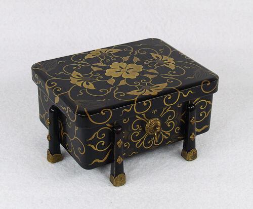 Japanese Lacquered Wood Hasamibako Box 19th century Meiji Period