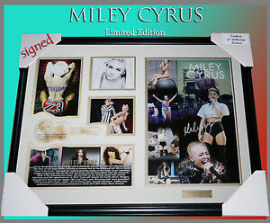NEW-MILEY-CYRUS-2013-MTV-VIDEO-MUSIC-AWARD-SIGNED-FRAME-LIMITED-EDITION-COA