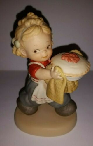 ENESCO Memories of Yesterday Figurine AS GOOD AS HIS MOTHER EVER MADE #522392