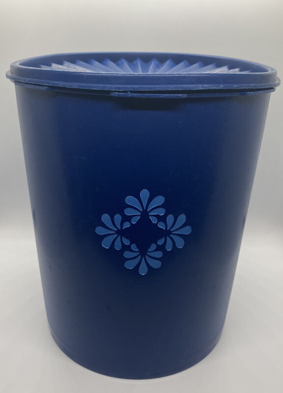Vintage Tupperware XL 25 Cup Blueberry Blue Servalier Maxi Canister 1339