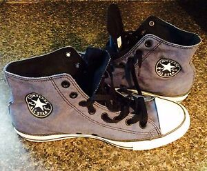 Mens size 10 Chuck Taylor's