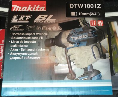 BRAND NEW 18V MAKITA CORDLESS 3/4 IMPACT WRENCH DTW1001Z (skin only)