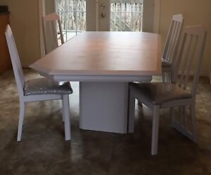 Beautiful refurbished table with 4 chairs