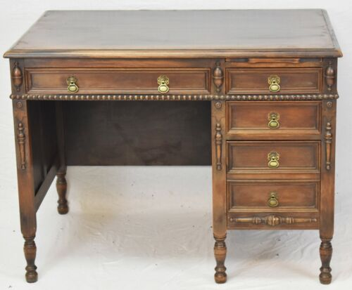 KITTINGER Mahogany Desk Williamsburg Style Carved Designs William and Mary