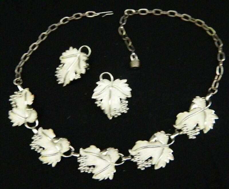 020#J-- Necklace Earring Set Grape Leaf Vintage