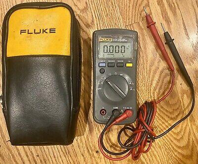 Fluke 112 True Rms Multimeter W Case