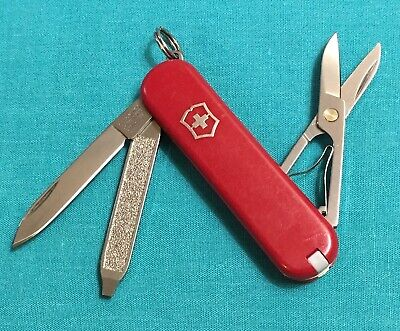 Victorinox Swiss Army Pocket Knife - Red Classic SD - Multi Tool
