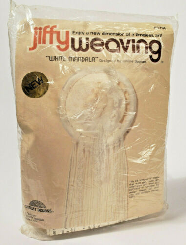 Jiffy Weaving WHITE MANDALA Dreamcatcher Wall Hanging Craft Kit 3790 Vint 1978