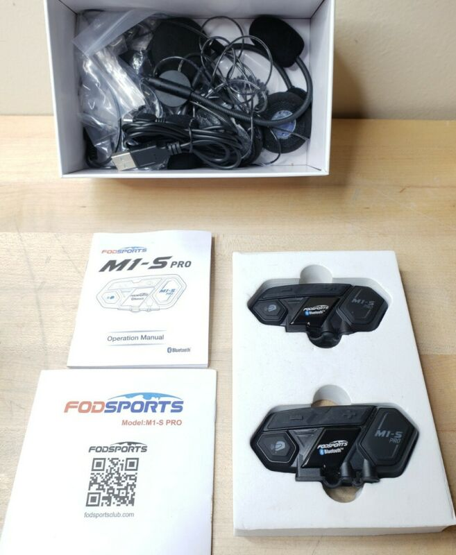 Dual Fodsports M1-S PRO 8Rider 8Way Intercom Motorcycle Headset Bluetooth Helmet