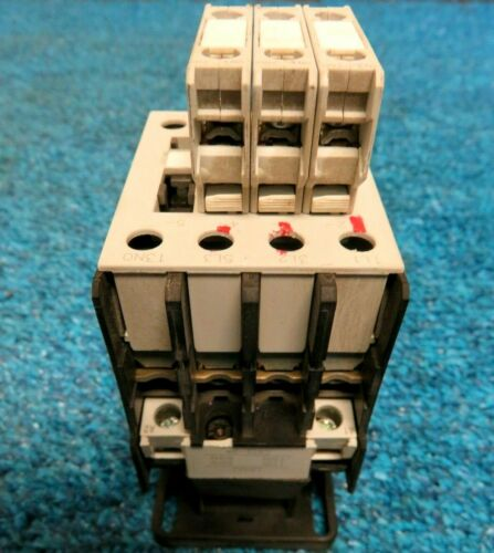 GE General Electric CL04A310M Contactor 110V-120V 50/60Hz W/3 BCLF01
