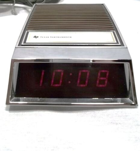Vintage - Texas Instruments TI-70 Electronic Digital Clock - LED - 1974