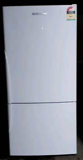 Fisher paykel 520LT upside down fridge freezer CALLS ONLY