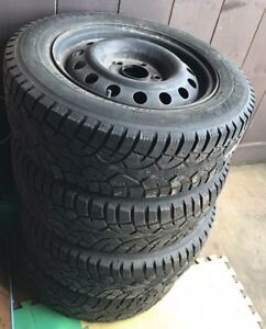 195 65r15 winter tires with rims & Honda rims seperate