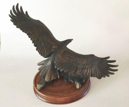 WINGED MAJESTY Bronze EAGLE Statue Van Ruyckevelt Franklin Mint 1990s
